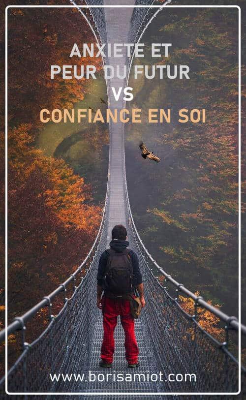 Anxiété et peur du futur Vs Confiance en soi - Un homme sur un pont qui semble ne pas en finir fait face à son avenir - Boris Amiot Coach à Marne la Vallée (77)